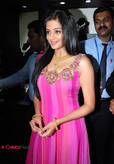 Priyamani Latest Pictures in Pink Sleeveless Salwar Kameez at Jos Alukkas Show Room Launch 0028