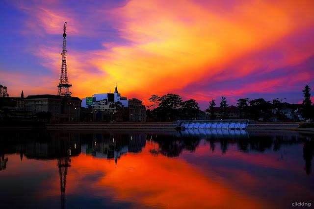 Before sunrise in Xuan Huong Lake