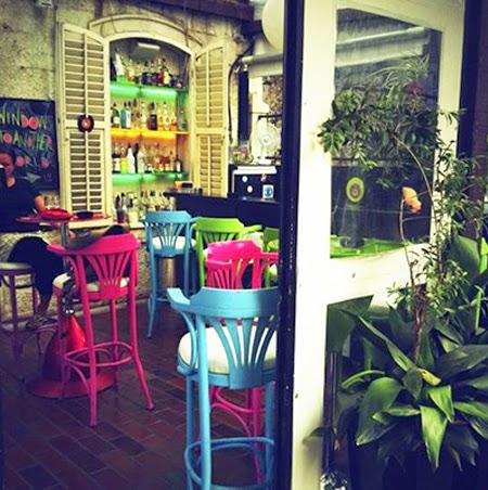 decoração, bar, restaurante, reciclagem, cores, colorido, neon, iluminação