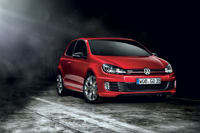 2011-Volkswagen-Golf-GTI-Edition-35-Front