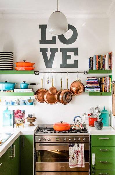 charme e personalidade na cozinha brincando com o tamanho do ambiente