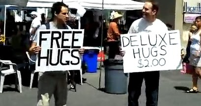 [Obrazek: free-hugs-deluxe-hugs.jpg]
