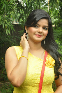 Tamil Actress Preethi Das  Pictures in Short Dress at Press Meet Event  0004