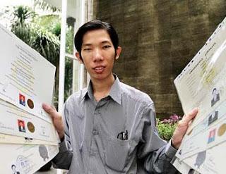 Rekor! Orang Indonesia Peraih 18 Gelar Akademis