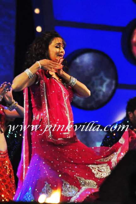 , Madhuri Dixit Police Umang Show 2012 Pics