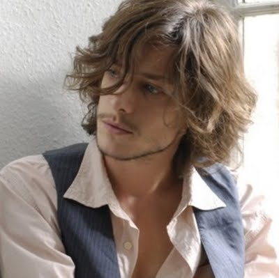 Curly Hair Cuts   on Latest Sexy Medium Curly Hairstyle For Men