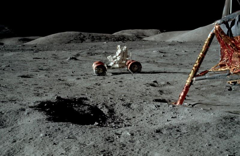 nasa astronauts on the moon - photo #27