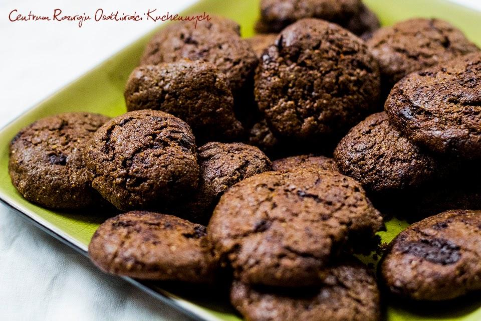 Kruche ciasteczka z gorzką czekoladą