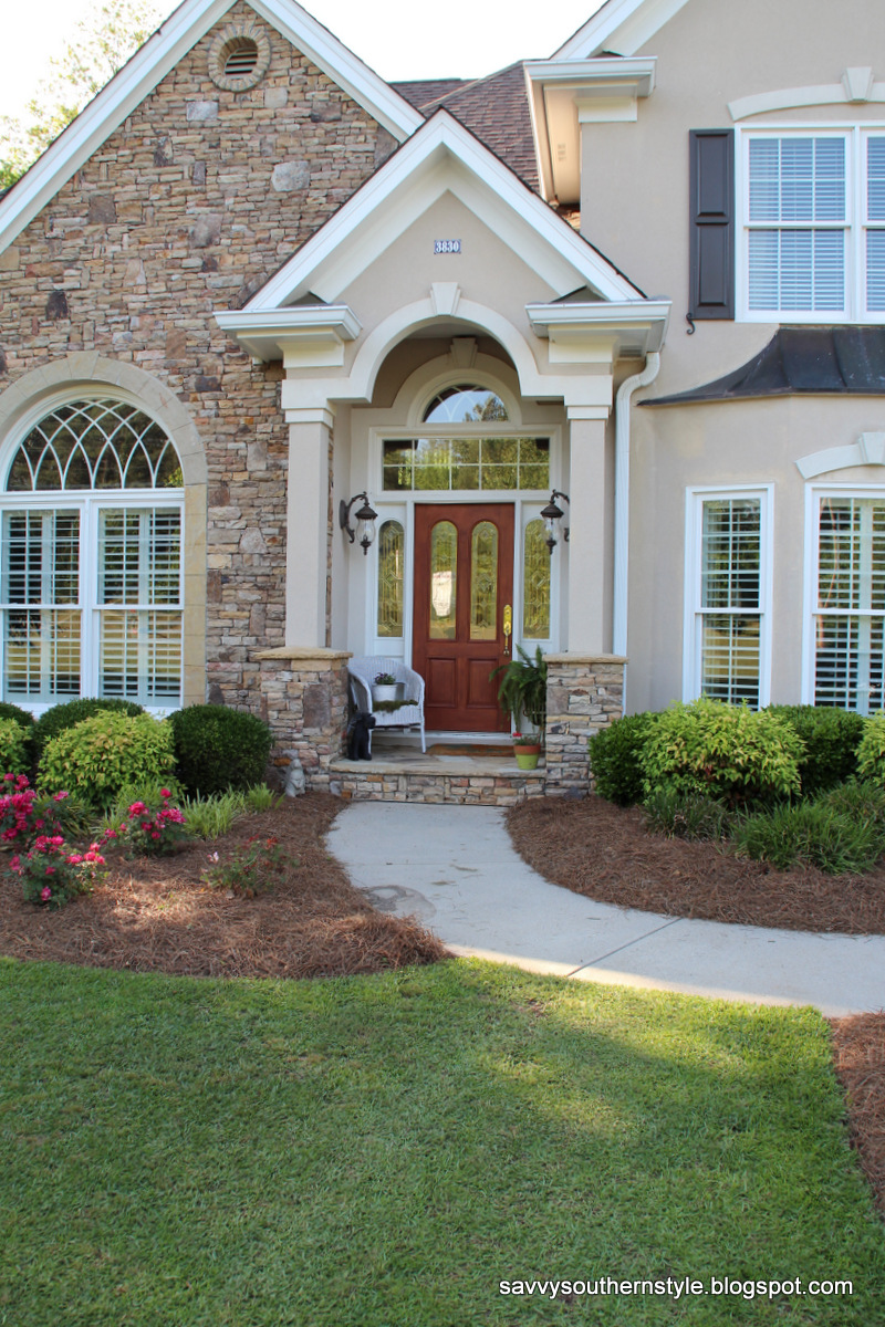 Savvy southern style front porch 2012 for Southern front porches