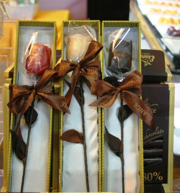 Những bông hồng chocolate cũng rất ý nghĩa và bắt mắt