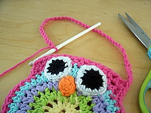 Crochet Owl Bag Pattern Free : Mama Gs Big Crafty Blog: Free Crochet Owl Purse Pattern