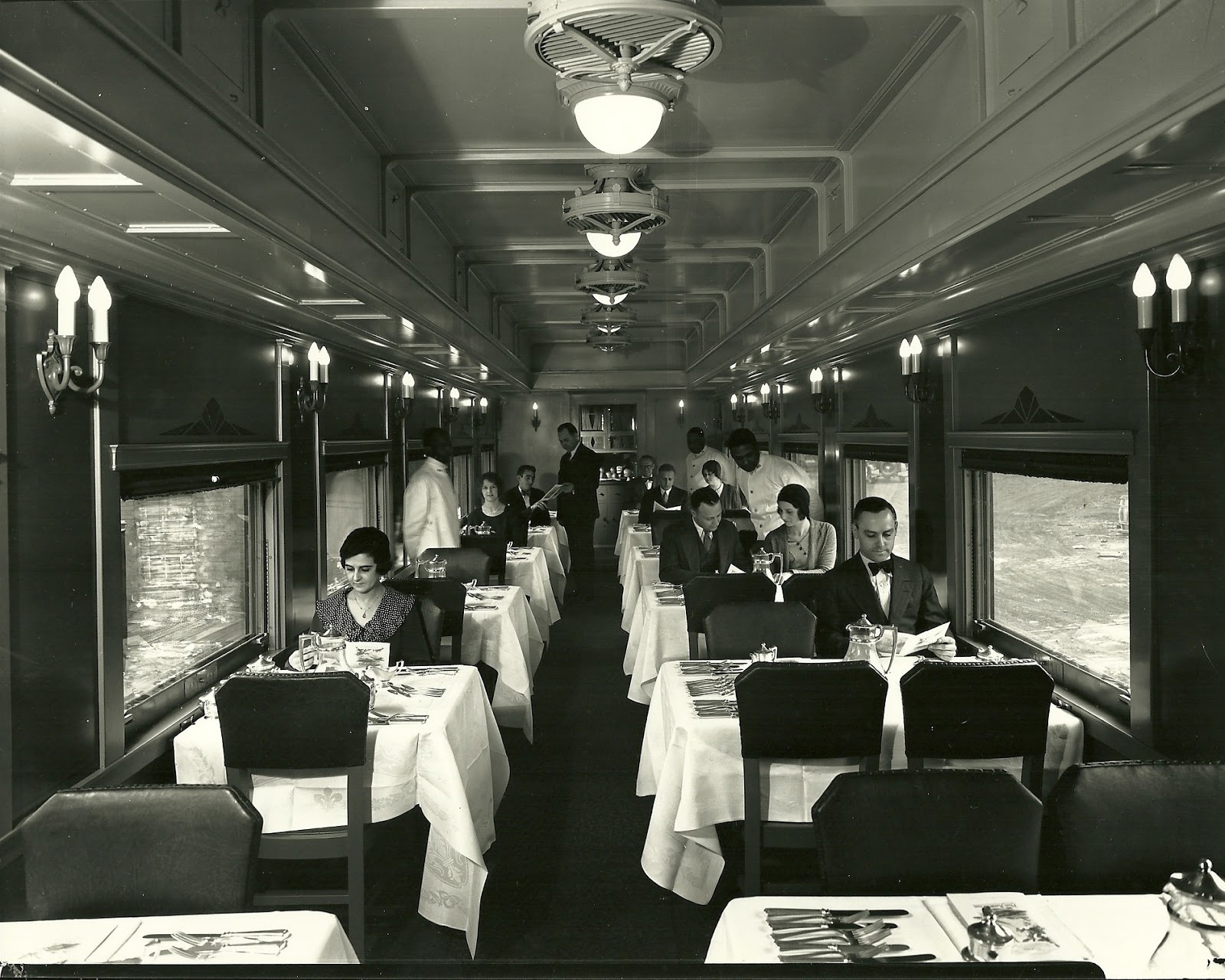 L n dining car 2728 for Dining room operations