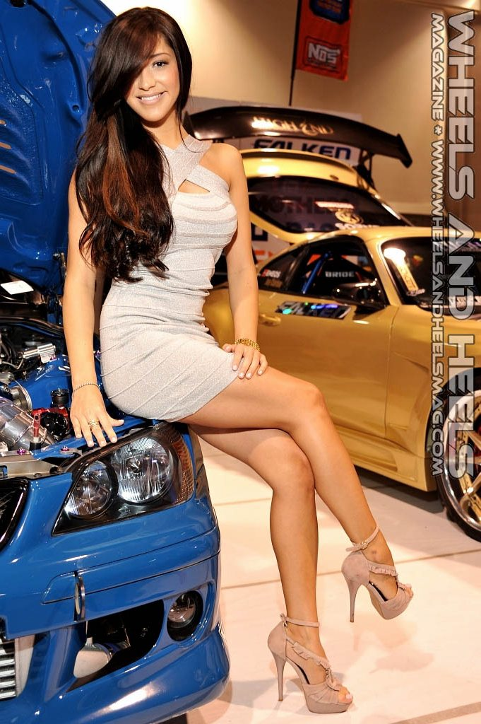 W Amp Hm Wheels And Heels Magazine 2011 Motion Auto Show