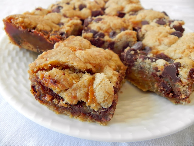 Emma Clare Eats: Salted Caramel Chocolate Chip Cookie Bars