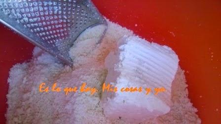 jabón rallado o en polvo.