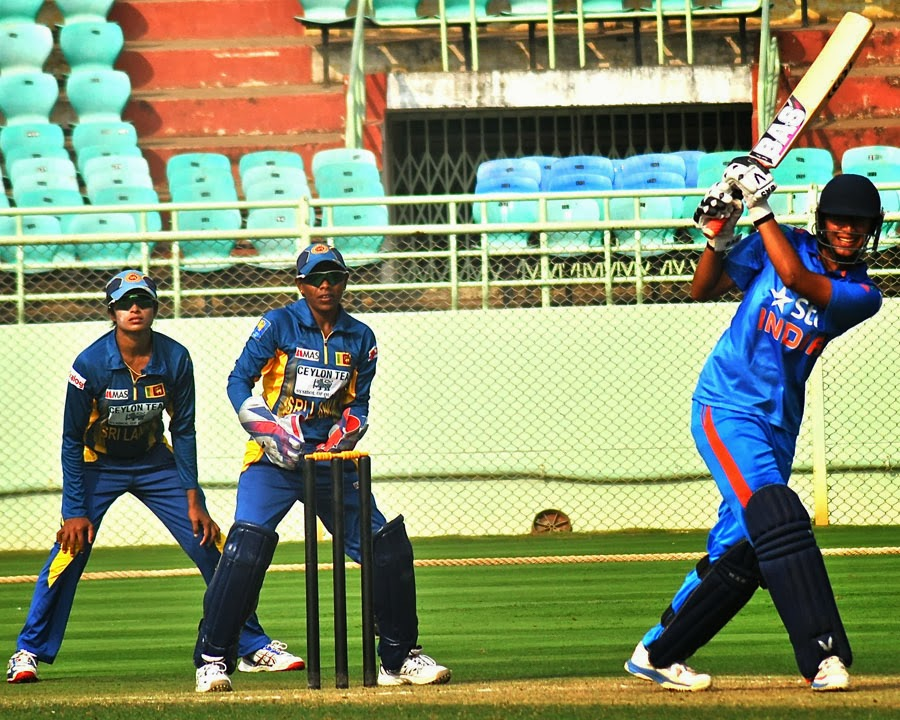 Smriti-Mandhana-India-vs-Sri Lanka-2nd-ODI-2014