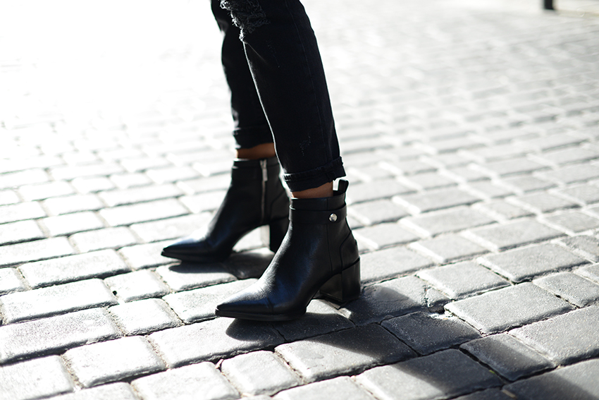 the petticoat madrid streets total black fuzzy chunky jumper zara boots