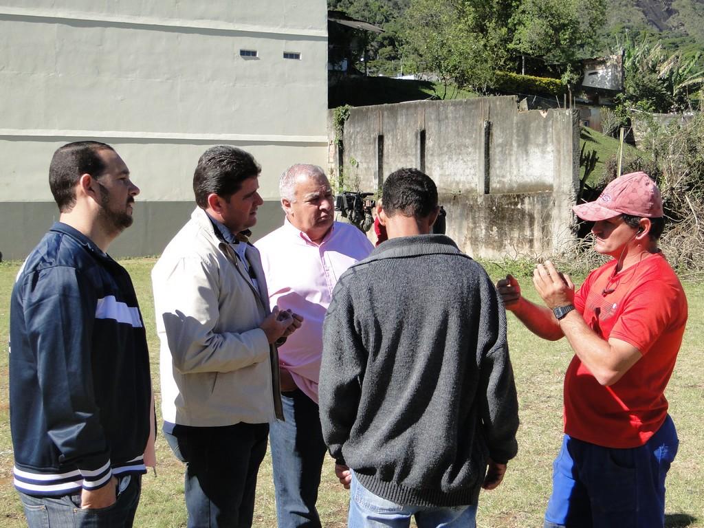 Prefeito Arlei conversa com moradores do Rosário