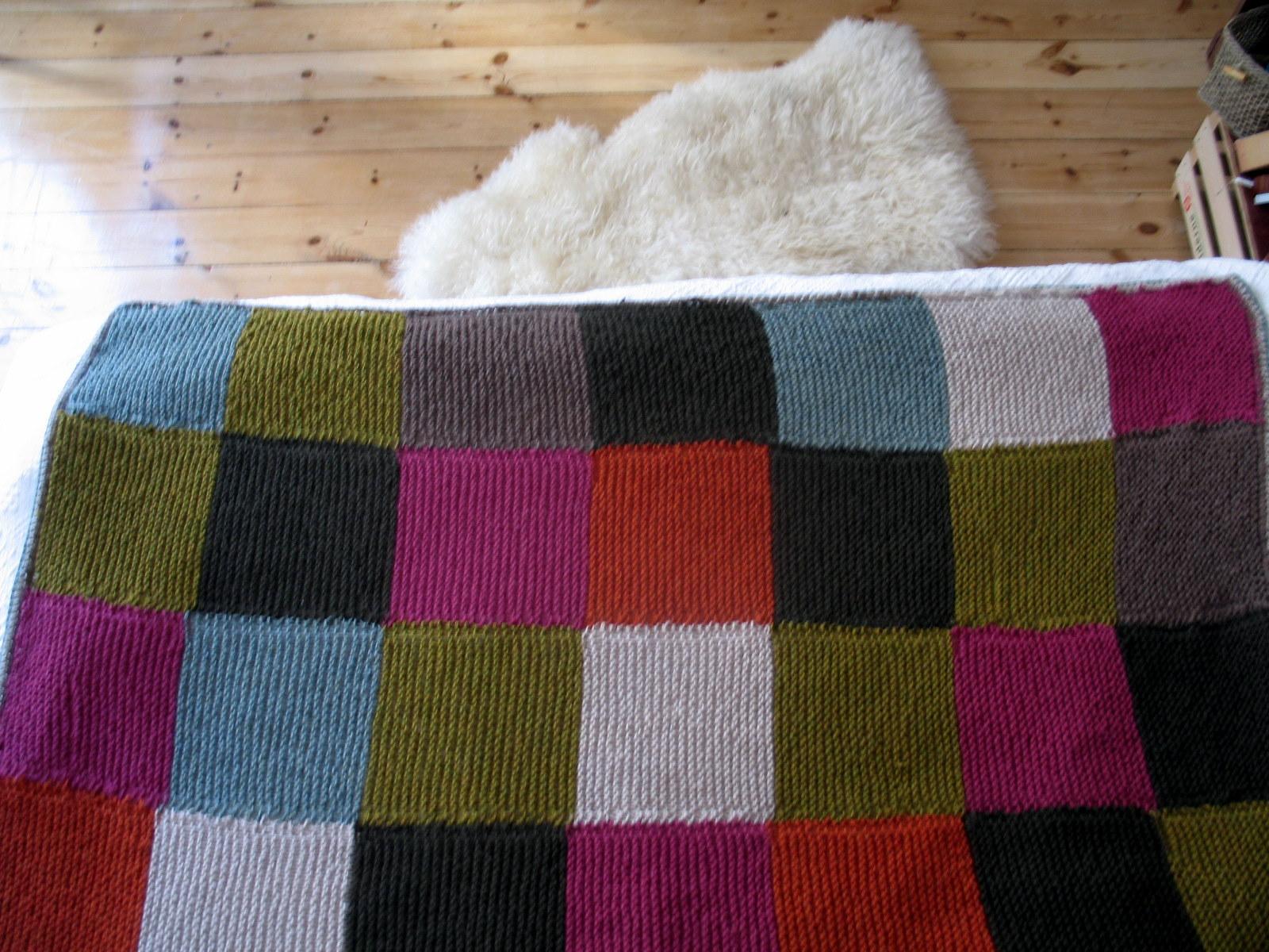 strikket kludetæppe opskrift