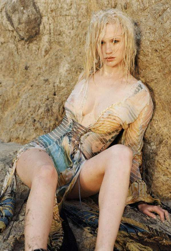 January jones three burials nude