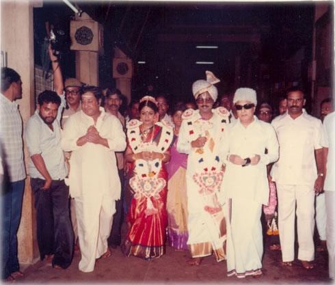 'Ponmana Chemmal' MGR & Sivaji Ganesan in K. Bagyaraj - Poornima Marriage