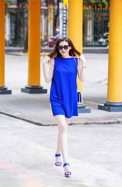 Trong bộ ảnh mới, Tú Anh khoe phong cách dạo phố với các trang phục có phom dáng công sở.