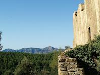 El Girbau de Dalt amb Sant Llorenç del Munt al fons