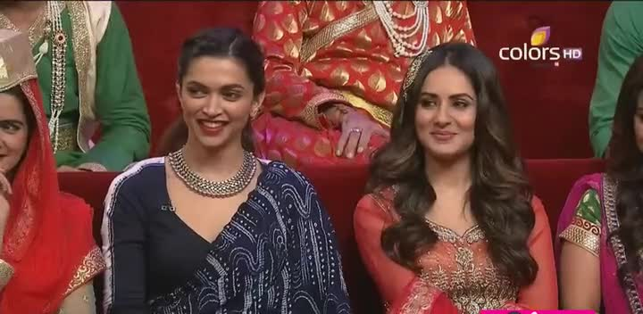 Watch Online Comedy Nights Bachao 19th December 2015 Episode 15 200MB Watch Online