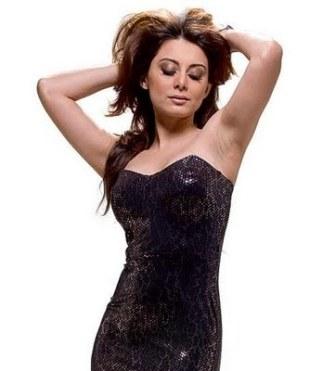 breast size. selena gomez reast size.