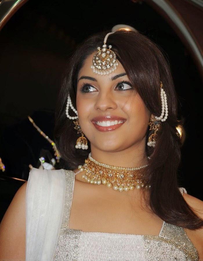 Richa Gangopadhyay : Richa Gangopadhyay Latest Unseen Top 30 Hot Pics