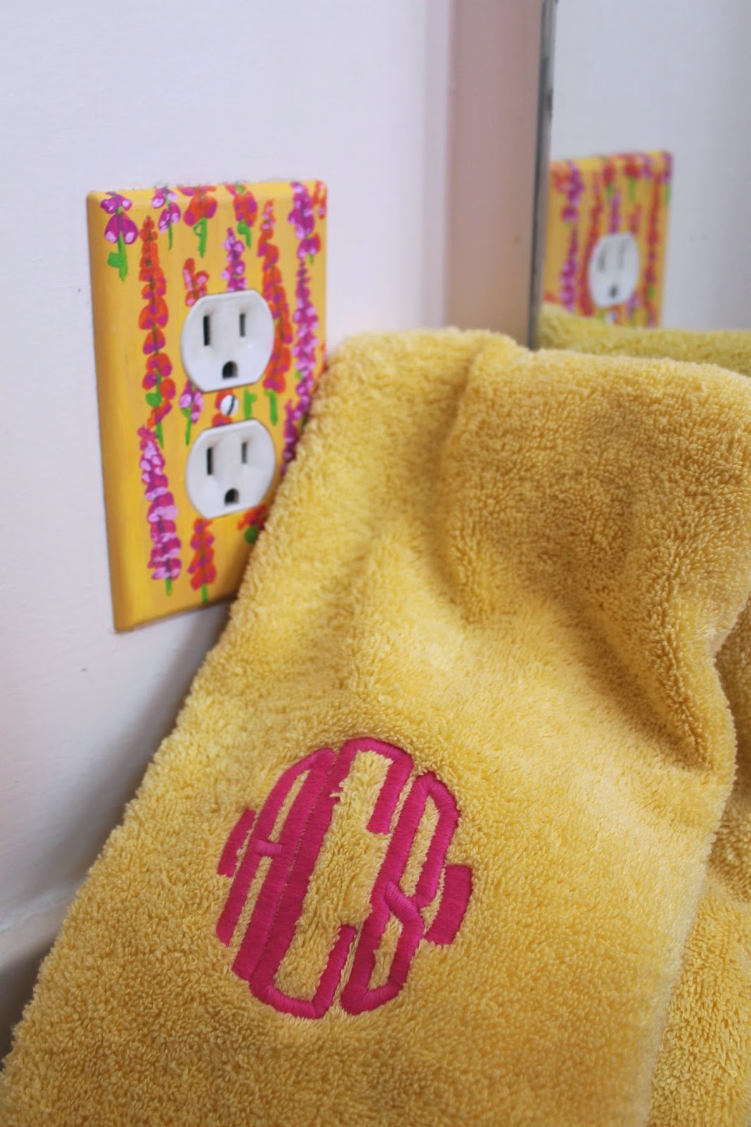 lilly pulitzer bathroom style monogrammed garnet hill signature towel