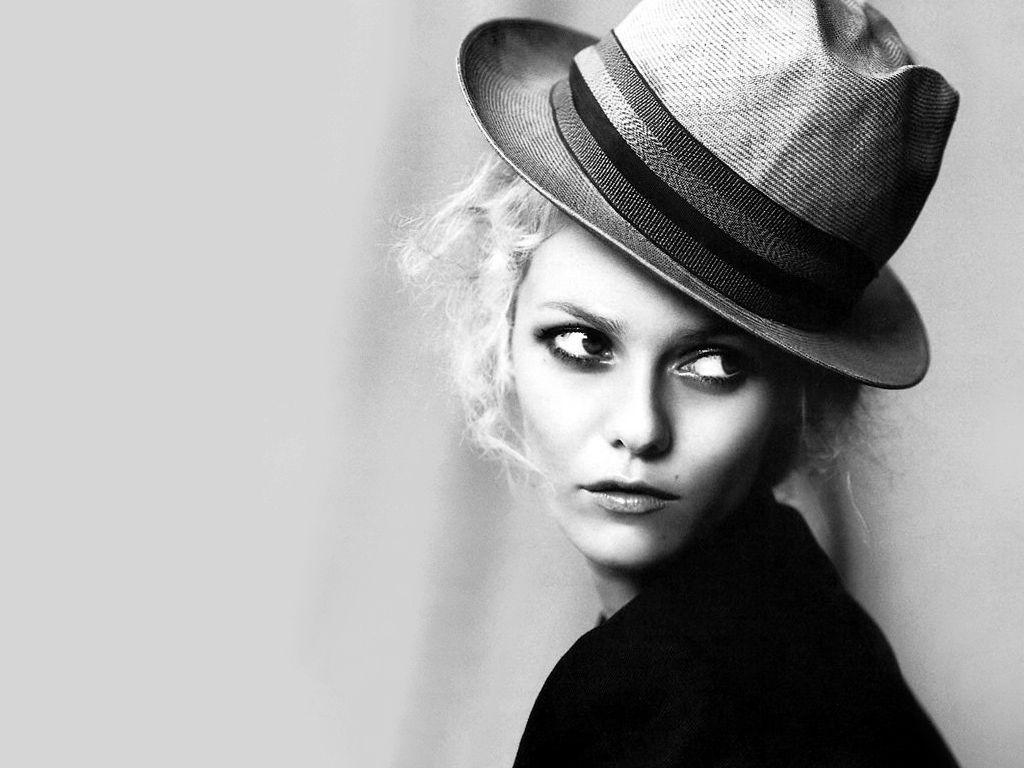 September Clementine: Vanessa Paradis & Chanel