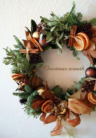 ultimate guide to DIY holiday wreaths