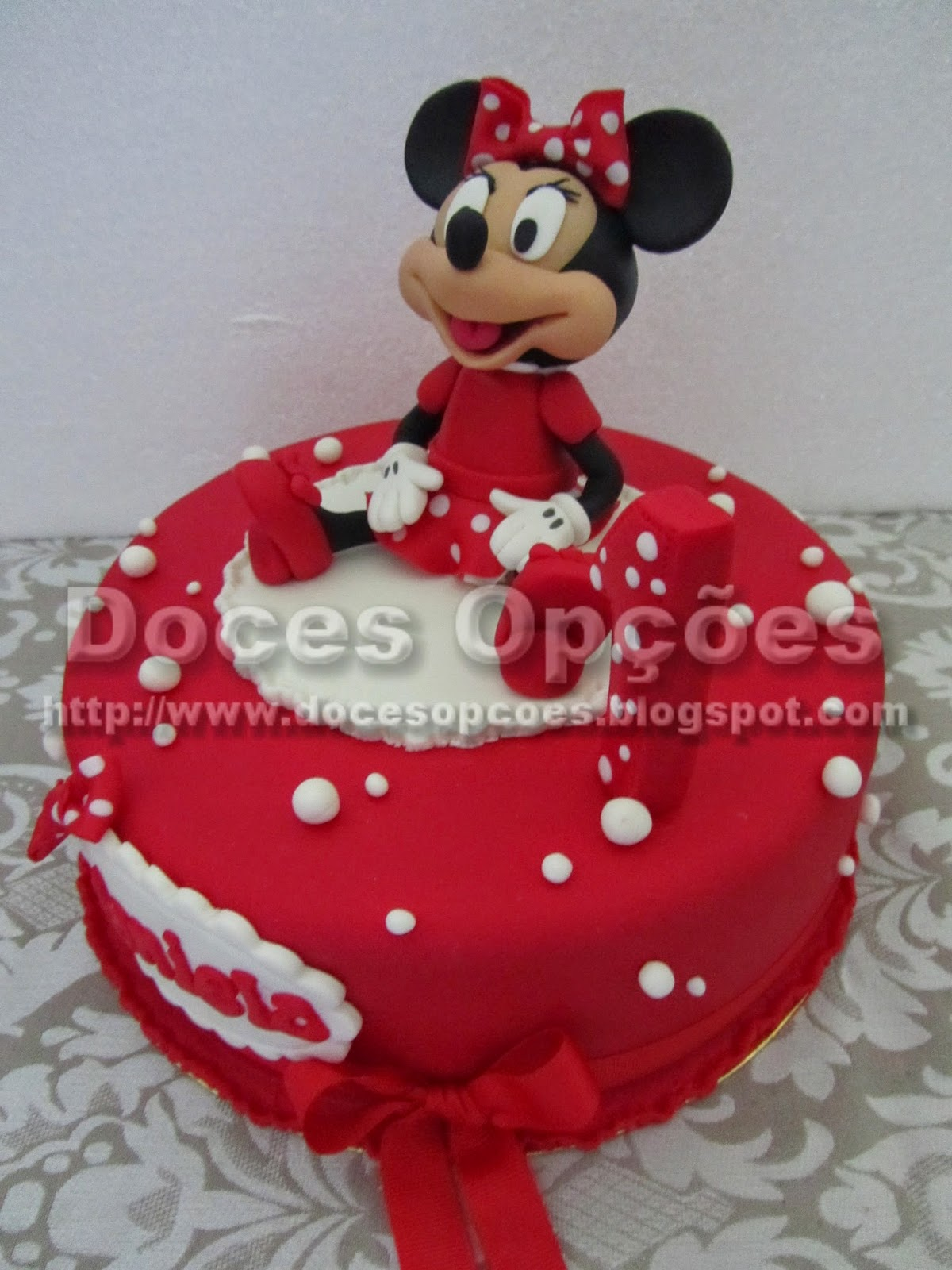disney's minnie cake