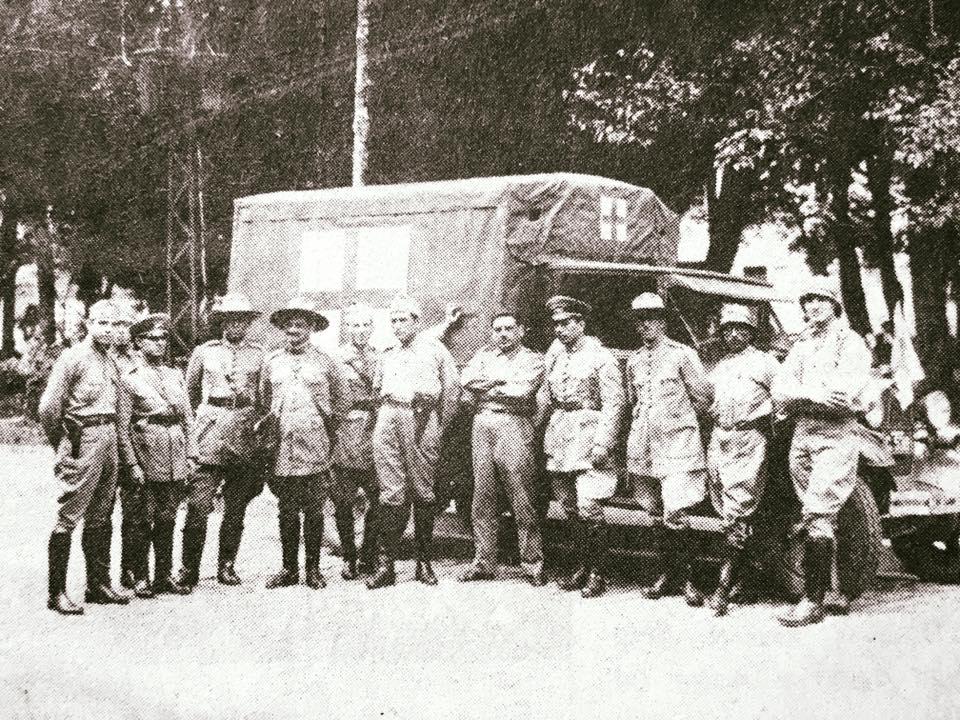 Corpo Médico da Revolução de 1930 na Praça dos Andradas em Barbacena Arquivo Márcio Bertola