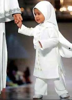 Foto Gambar Anak Muslim Memakai Jilbab