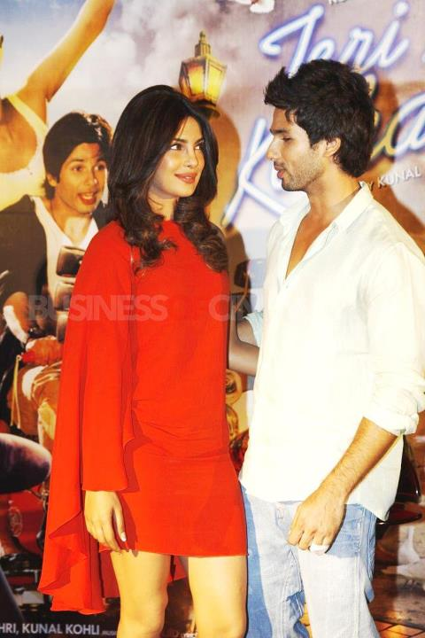 Priyanka Chopra with Shahid Kapoor 2012 - Priyanka shahid at Teri Meri Kahaani First Look Launch
