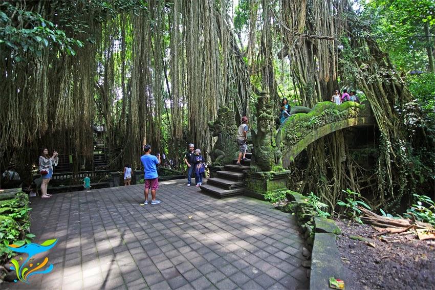 monkey forest ubud- hutan monyet ubud