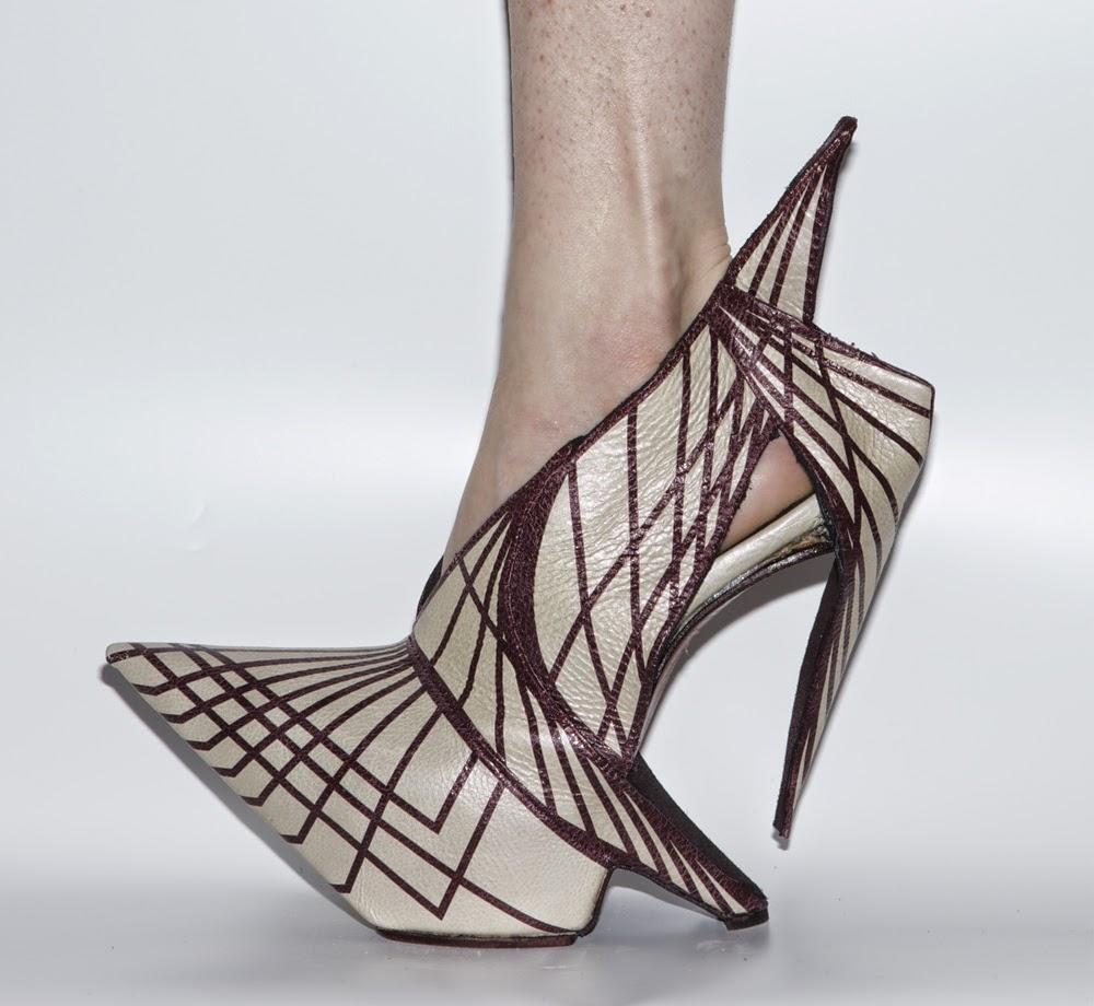Jak projektuje się buty - wirtualne muzeum butów