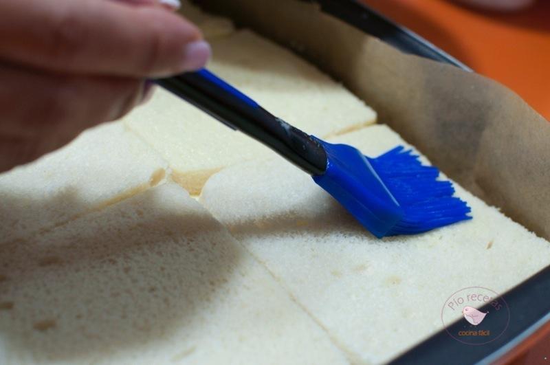 pan de molde y pincel