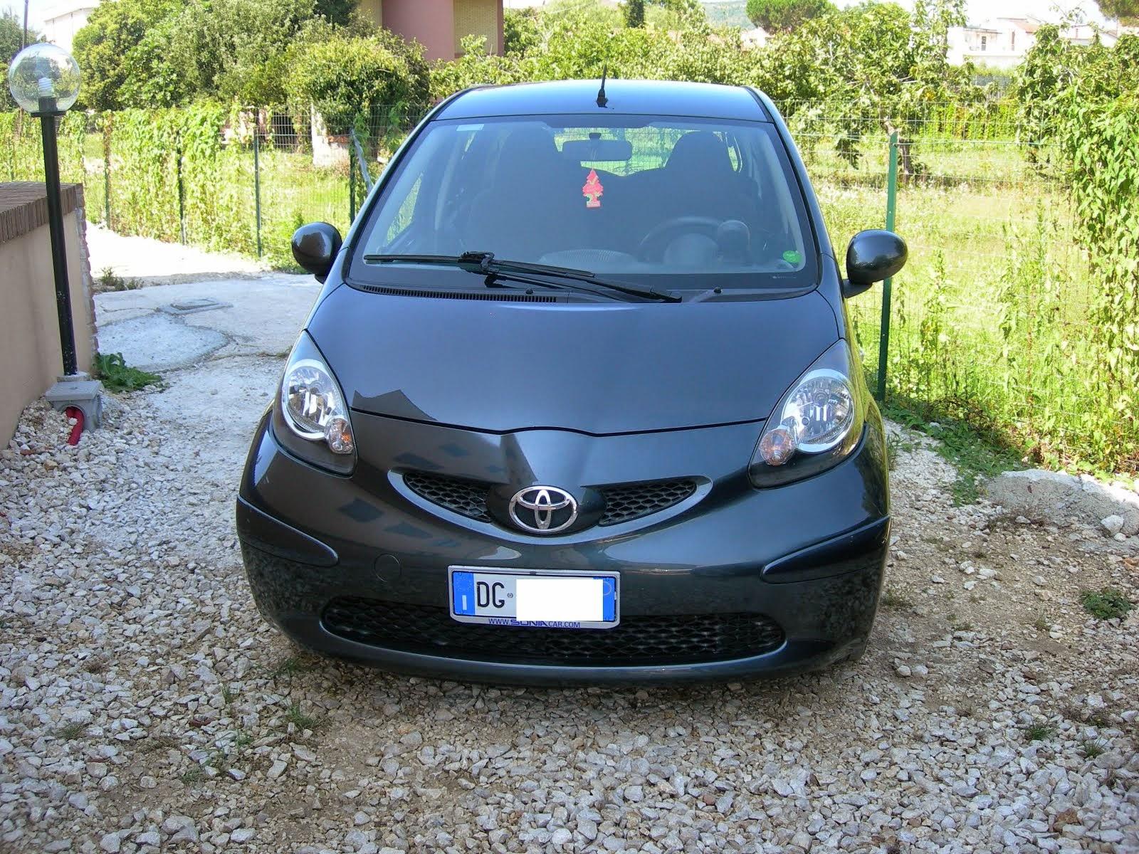 Toyota Aygo 1.0 5porte con clima anno 2007 70.000 km 5.000,00 euro