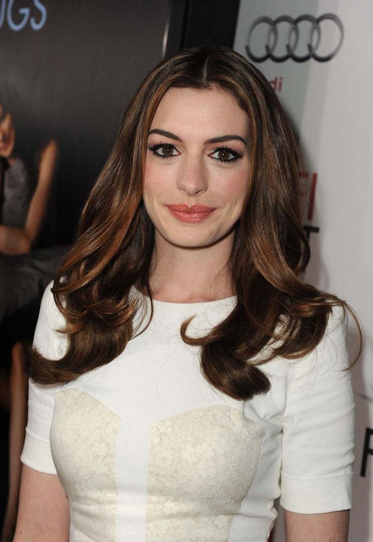 Anne Hathaway Haircut 31