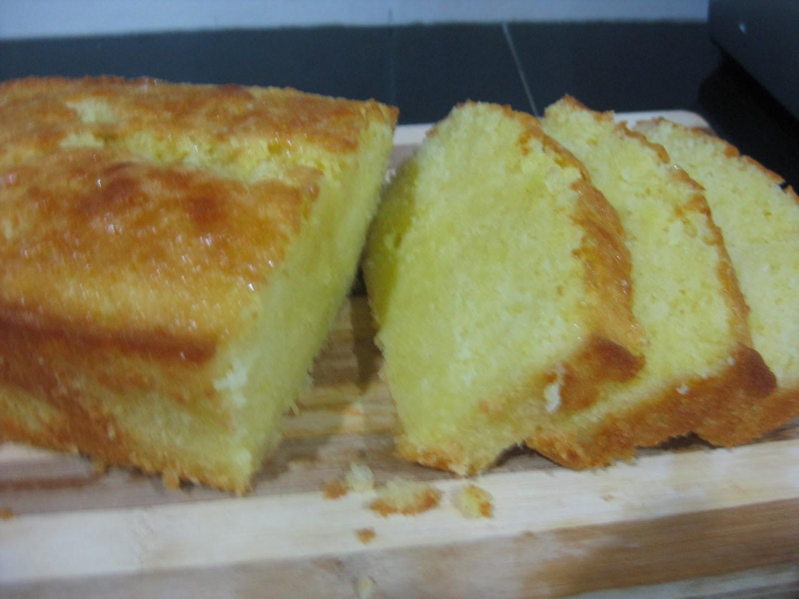 TO INDULGE ONESELF.....: Classic Lemon Pound Cake