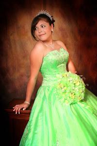 Blog de Quinceaneras por : Dolores Martines Briagas