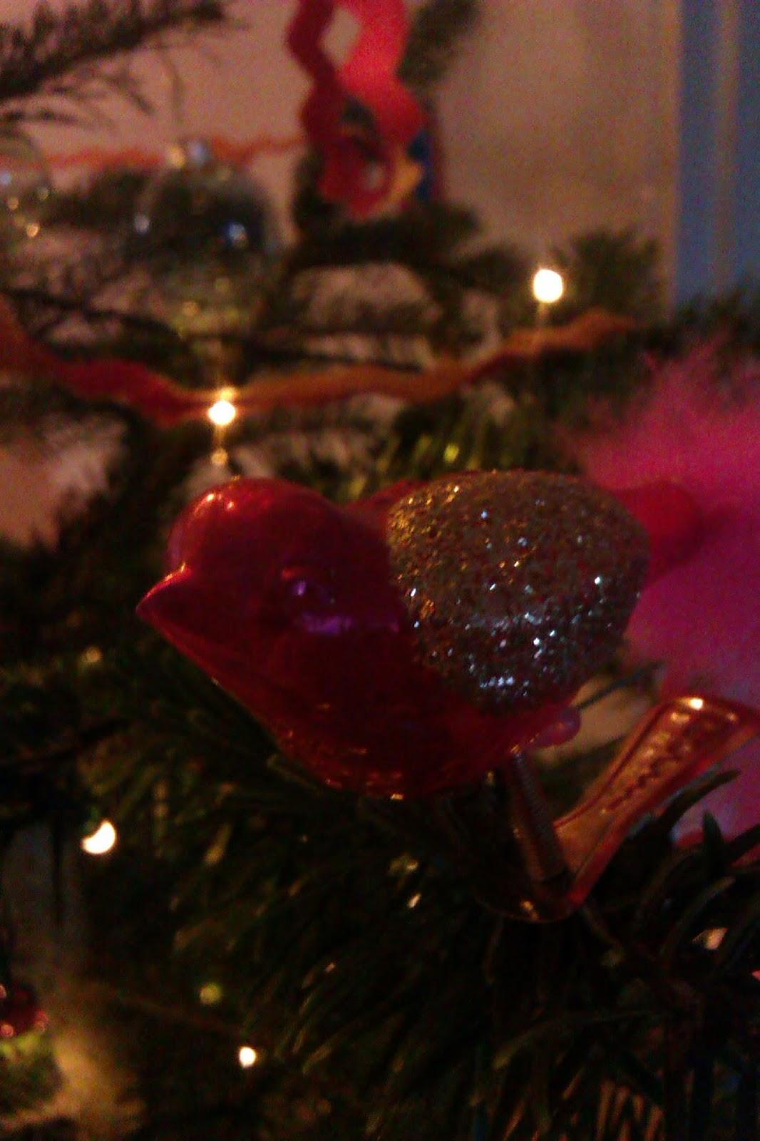 frau frieda ein kunterbunter weihnachtsbaum. Black Bedroom Furniture Sets. Home Design Ideas