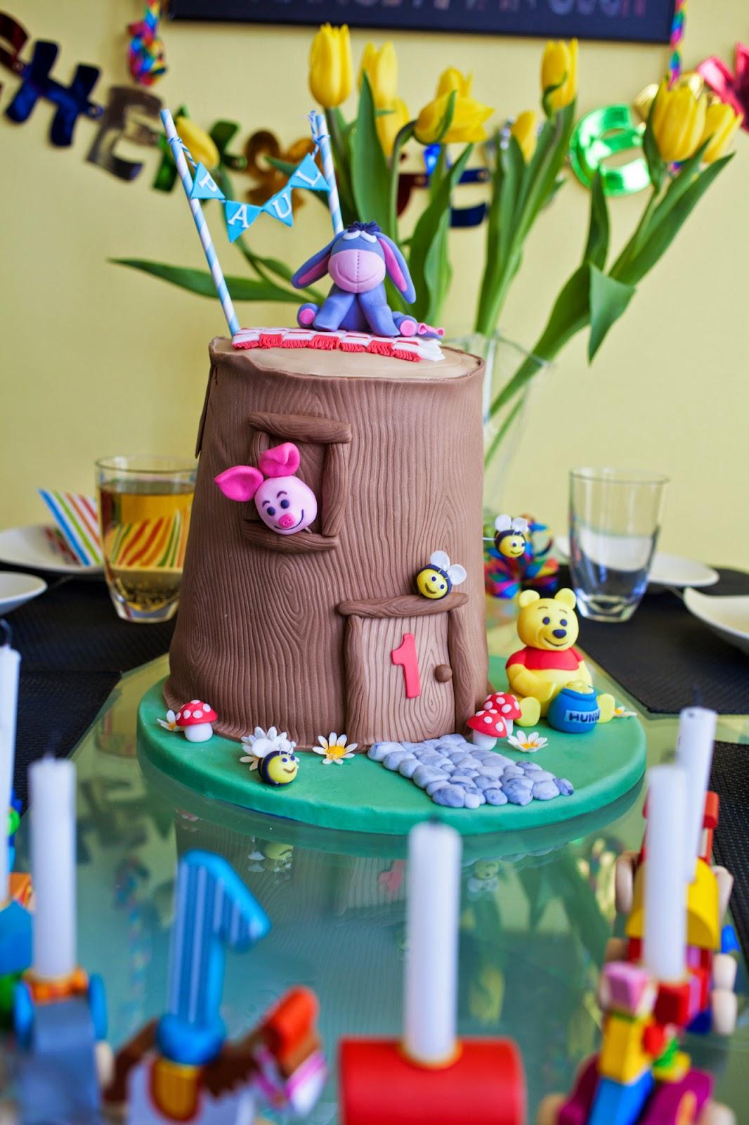 Winnie Pooh im Baumhaus Torte zum 1. Geburtstag meines Neffens