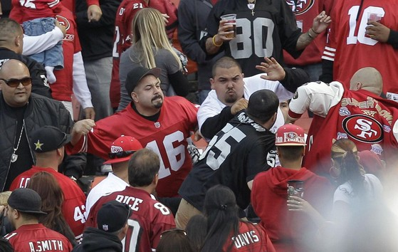 Something stinks with raiders 49ers hooligans and perry palin although this is a bit of old news isnt funny that events from a weekend ago could be considered old this fight and shooting at the 49ers raiders voltagebd Images
