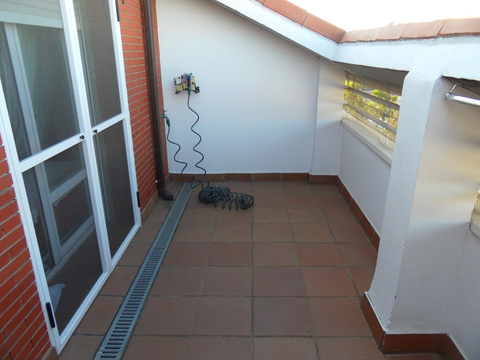 Mis enredos pensamientos y actividades instalaci n de - Poner cesped artificial en terraza ...