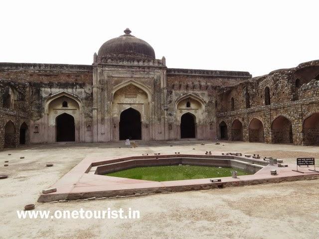 Shershah darwaja and mosque ,Delhi
