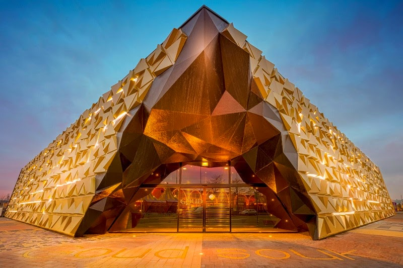 Gold souk bangunan bongkahan emas yang berkilau sepanjang hari griya mapan for Golf galaxy palm beach gardens